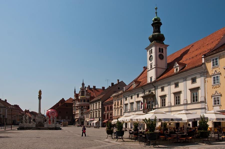 place glavni trg