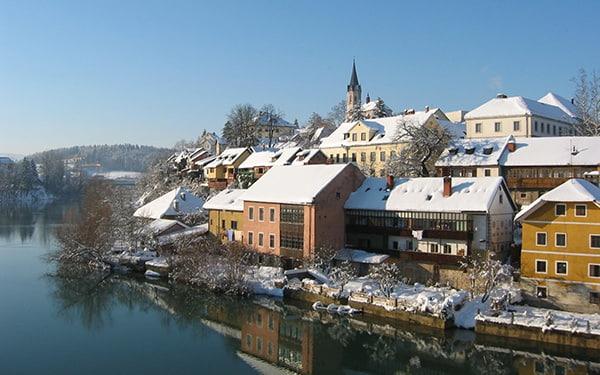 Novo Mesto et rivière Krka