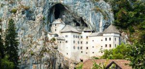 Découvrir le mystérieux château de Predjama